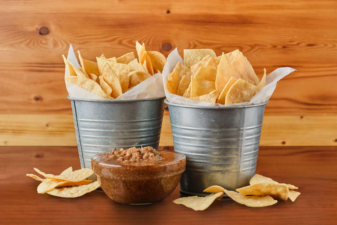 01 - Chips Salsa (L)